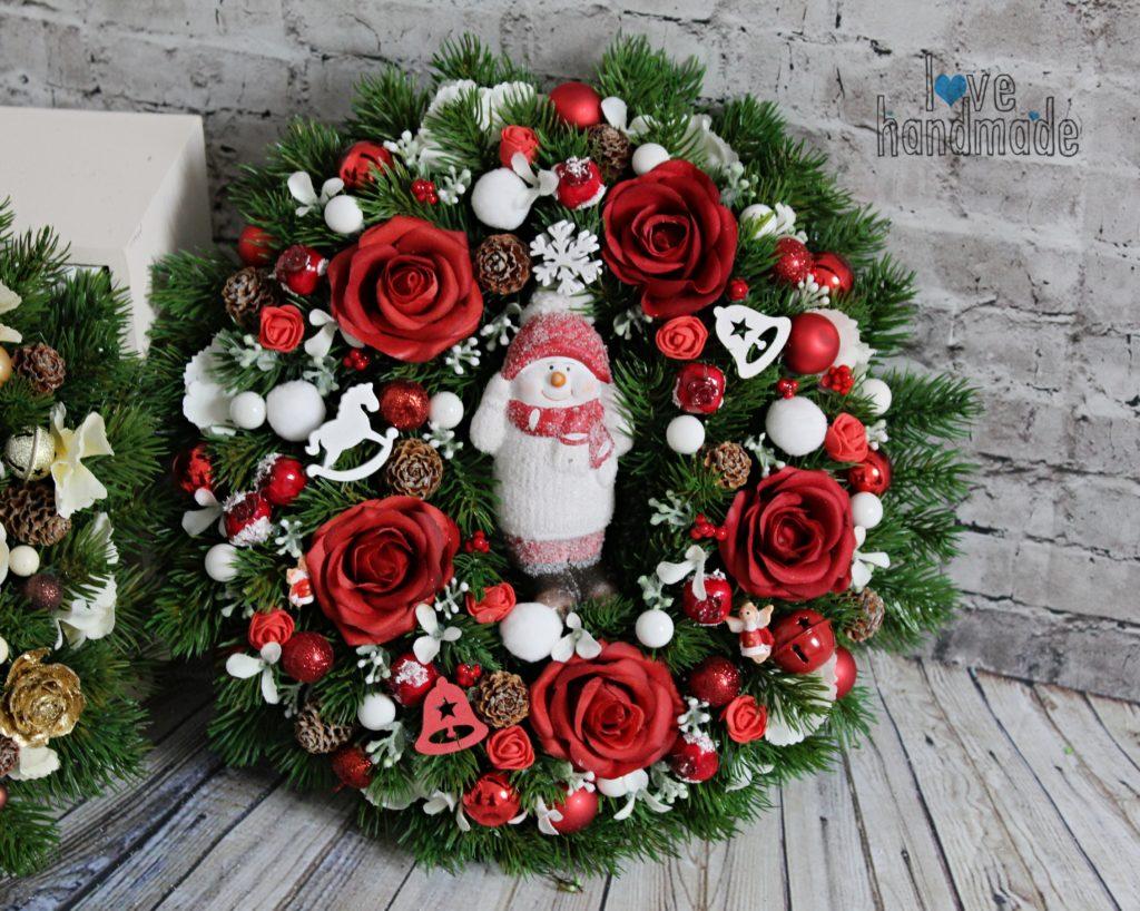 vianočný veniec, adventný veniec, vianočná dekorácia, handmade vianočná dekorácie, červený vianočný veniec, červené vianočné dekorácie